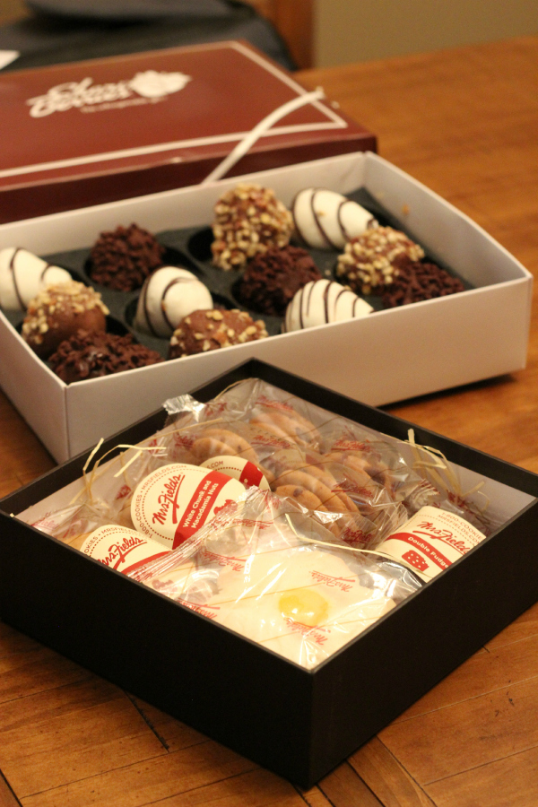 Shari's Berries Both Boxes