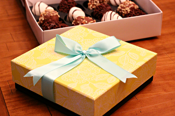 Shari's Berries Treat Box