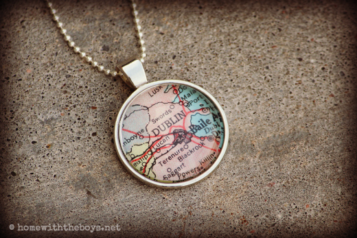 WIWW KraftyKash Map Necklace